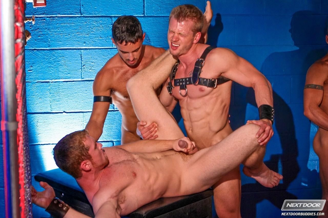 Порно ролик вечеринка с геем