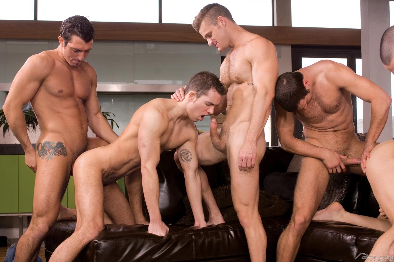 Порно групповуха с большими членами