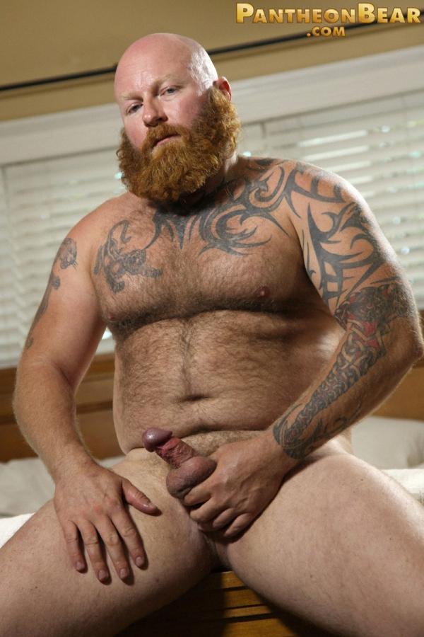 бородатый порно актер