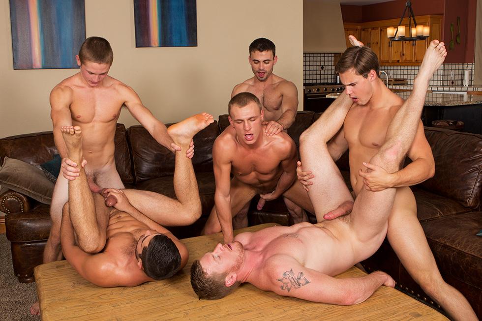 фото геев групповой секс